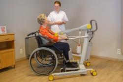 Handi-Move  - Actieve tillift 2620 - met natuurlijke 'sta op' beweging - Transfer van/naar rolstoel