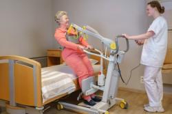 Handi-Move  - Actieve tillift 2620 - met natuurlijke 'sta op' beweging - Transfer van/naar bed